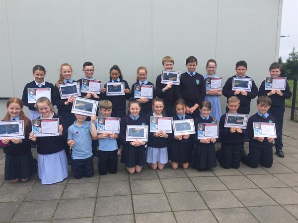 Primary 5  receive ICT certificates.